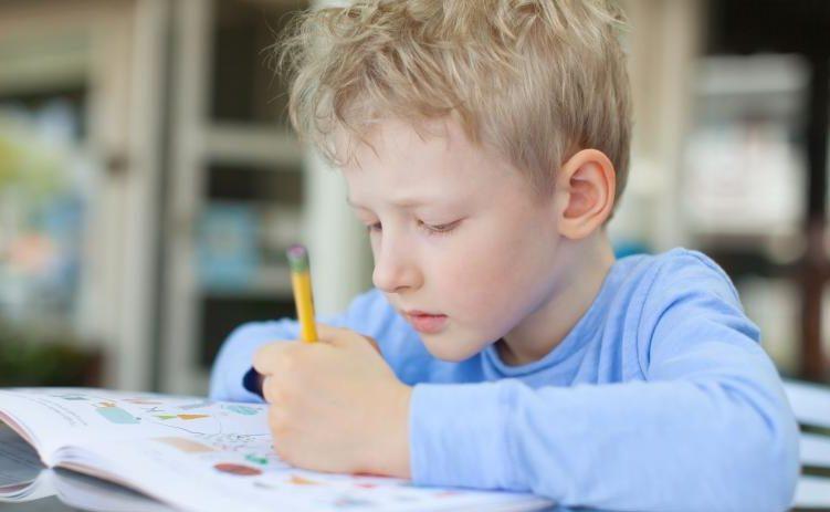 Una volta i mancini venivano costretti a scrivere con la destra, cosa stiamo facendo oggi con iDSA?