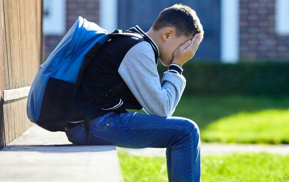 Piange in silenzio: difficile il ritorno a scuola per iDSA
